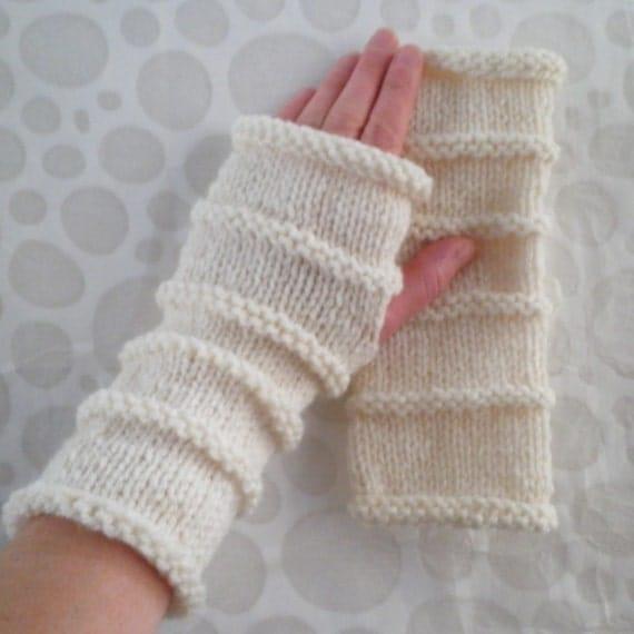 Easy Fingerless Gloves Knitting Pattern Straight Needles : KNITTING PATTERN/OSLO Fingerless Gloves Easy Knit Glove/ Simple Straight Knit...