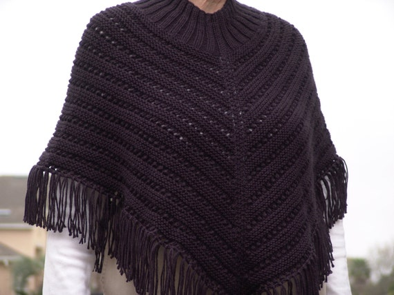 Knitted Ladies Poncho in Basic Black