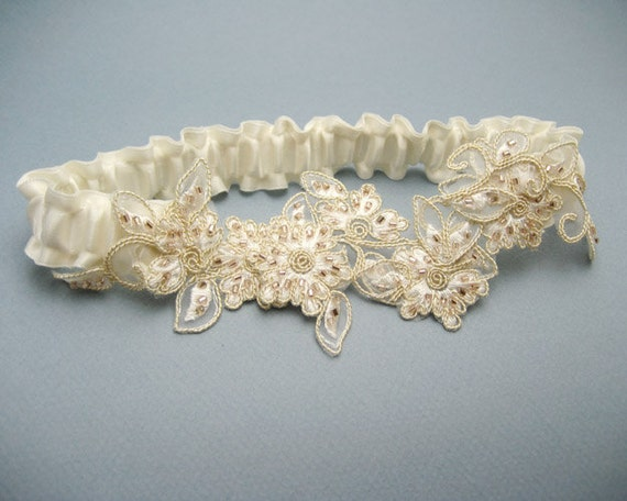 Beaded flowers lace garter