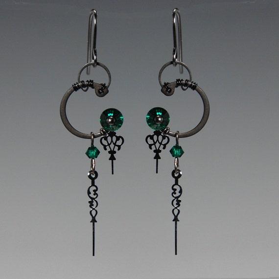 Eirene II v8: Emerald Swarovski crystal steampunk earrings