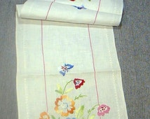 EMBROIDERY on  Linen Floral Pansies Flowers Table  Runner 12 x 40 silk floss