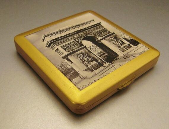 COMPACT Arc De Triomphe France Souvenir   Goldtone  3 x 3