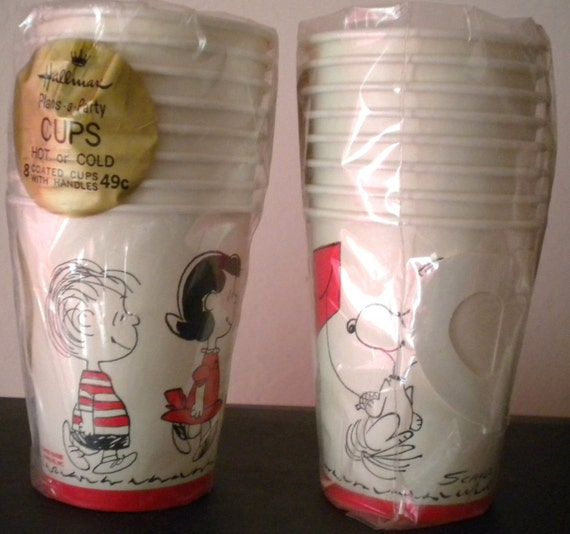 ONE Vtge 1960s  NIP Hallmark Plans-a-Party 8 Cups for Hot or Cold Peanuts/Snoppy  Theme