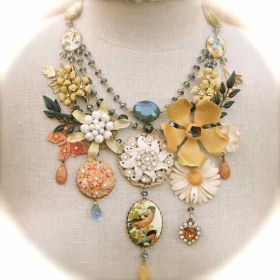 summer sizzler floral statement necklace