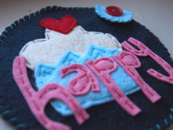 Happy Cupcake. Handmade felt mix cd case with blank cd-r by amberbrownmakesart