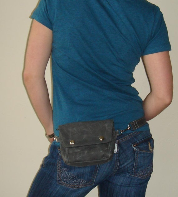 Convertible Hip Pouch - Waxed Canvas in Charcoal Gray