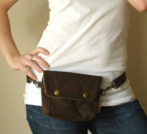 Convertible Hip Pouch - Waxed Canvas in Chocolate Brown