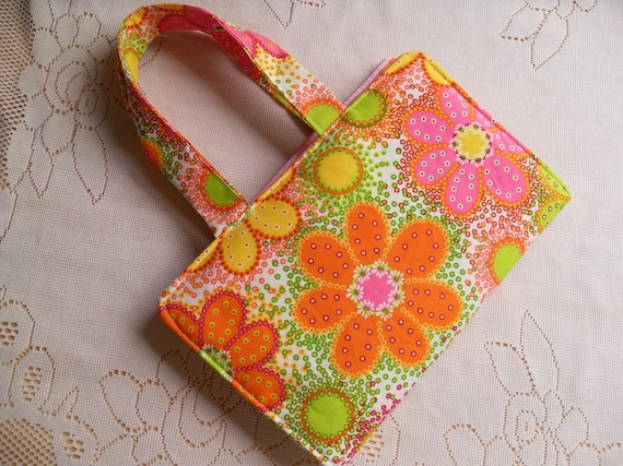 Paperback Book Carrier with Handles in a Spring Floral Print with Daisies and Stripes