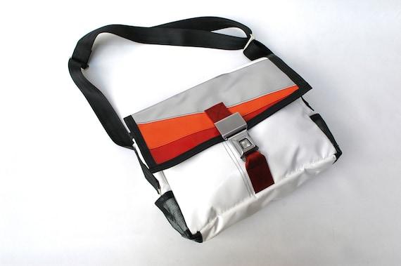 Recycled LAPTOP bag (medium) by Mariclaro - XI343
