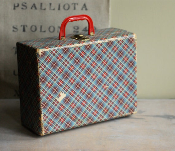 Vintage Plaid Carrying Case
