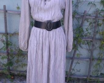 Vintage 70's Beige Accordian pleated day dress. Keyhole neck Boho Hipster