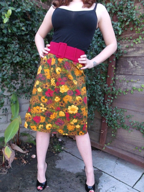 Vintage Floral 60's 70's Skirt. Red. Brown. Orange.Yellow. Bold Print.