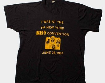 VTG 80's Black KISS T-Shirt ( Medium / Large ) Unisex Black Band Tee 1987 NY Convention Rock N Roll