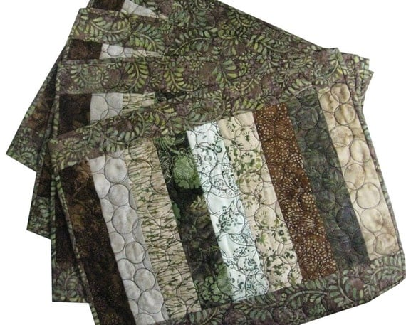 Placemats in Brown and Green Quilted