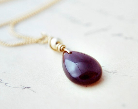 Oxblood Jewelry Gemstone Necklace Cat's Eye Scapolite Red Gold PoleStar
