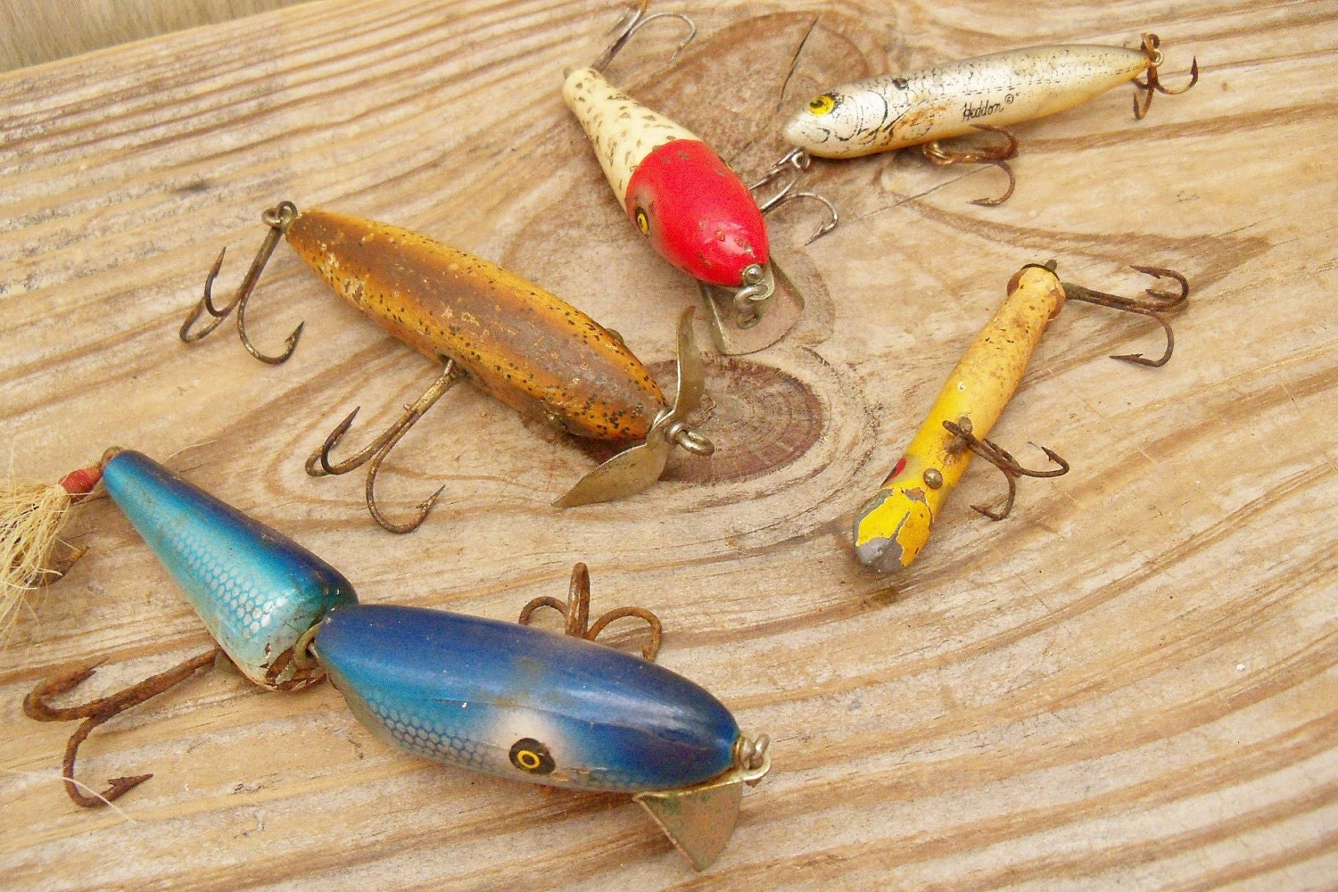 Antique fishing lures wooden heddon pflueger for Antique wooden fishing lures