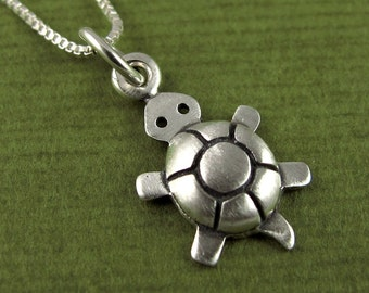 Tiny turtle necklace / pendant