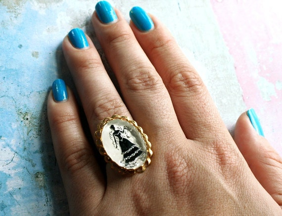 Vintage Cameo Ring - Neo Victorian Glass Black White Statement Eco Friendly Gothic Lolita