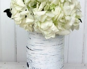 One medium birch bark vase, Blanc