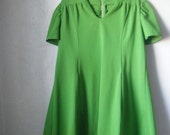 perfect little lime green '70s dress