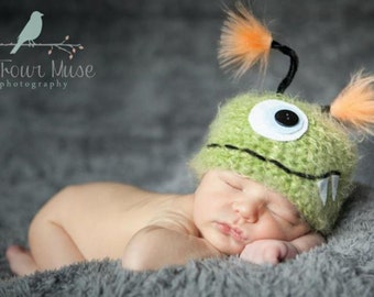Green Monster Newborn Baby Hat, Photo Prop, Newborn Photo Prop, Photography Prop