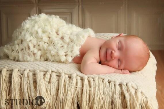 Cocoon Baby Photo Prop, Cream Cocoon, Photo Prop, Newborn Photography Props