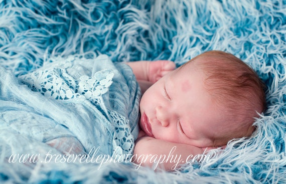 Mongolian Frosted Faux Fur Nest Photography Prop in Beautiful Turquoise Color perfect for Newborn Baby Toddler Pictures, Size 30 x 20