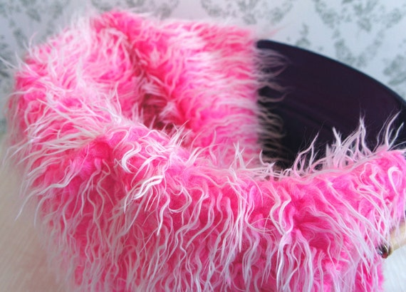 Mongolian Frosted Faux Fur Nest Photography Prop in Shocking Pink Color perfect for Newborn Baby Toddler Pictures, Size 30 x 20