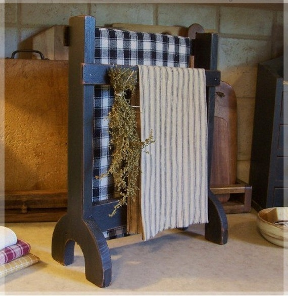 15 Great Diy Farmhouse Decor Ideas That You Must Try: Primitive Towel Or Dry Rack Farmhouse Kitchen Or By Sawdusty