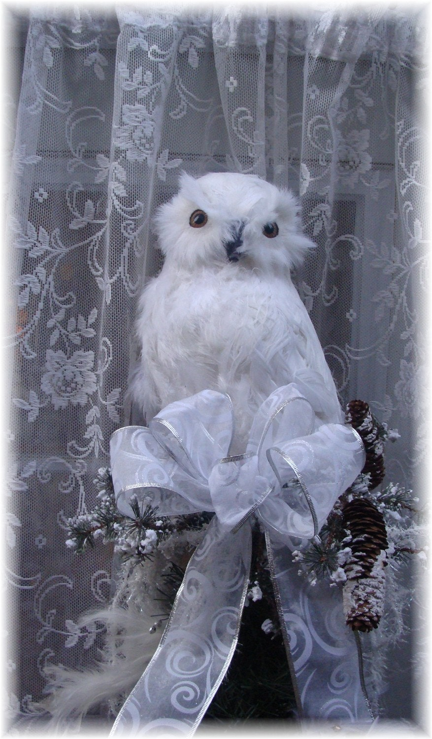 Snowy Owl's Rest Christmas tree topper
