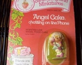 Vintage Strawberry Shortcake Figure - Angel Cake Chatting on the Phone