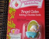 Vintage Strawberry Shortcake Figure - Angel Cake Taking a Bath