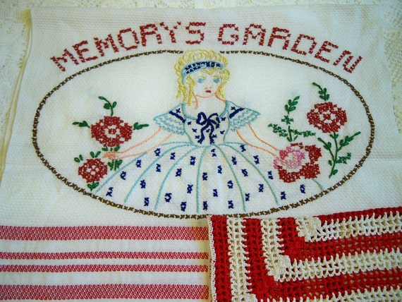 Vintage Memorys Garden Kitchen Towel Crocheted Dishcloth Set