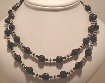 Black 'n White Double Strand Necklace Tutorial - Download