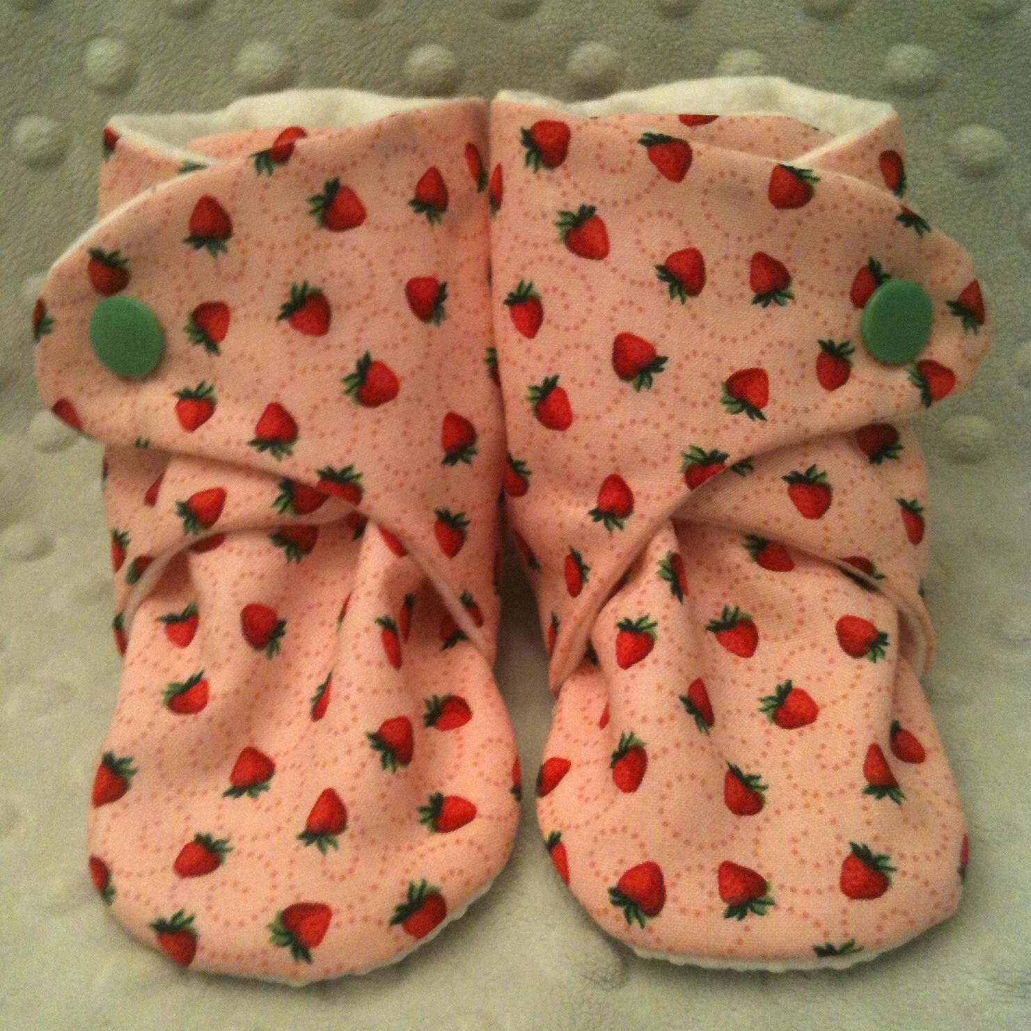 Baby Booties Soft Shoes w Grip Strawberry Fields 6 12 months