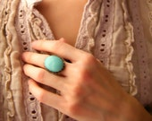 Summer of Love.  vintage teal turquoise blue glass stone ring.  adjustable band