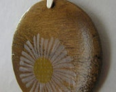Lazy Daisy - Chestnut Maple Wood Pendant - FREE Silicone Rubber Necklace