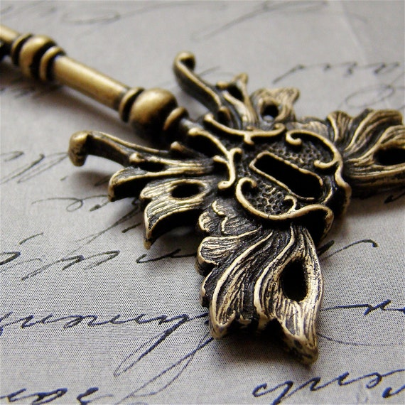 Skeleton key Winged Steampunk pendant Art Nouveau OLD BRASS