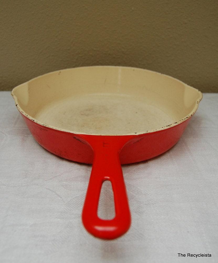 vintage griswold red enamel cast iron skillet pan no 6. Black Bedroom Furniture Sets. Home Design Ideas