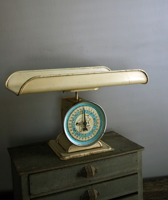 sweetest vintage baby scale