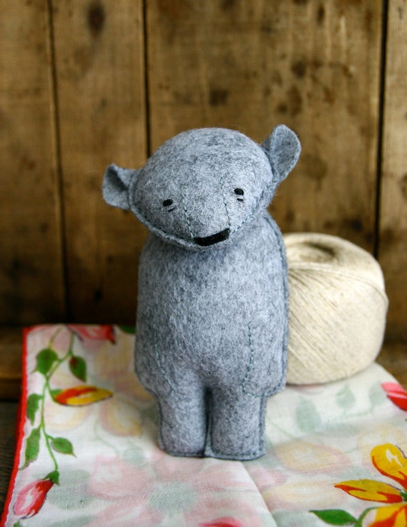alistair : small grey bear