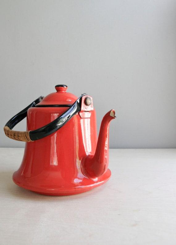 enamel tea kettle / tomato red / japan