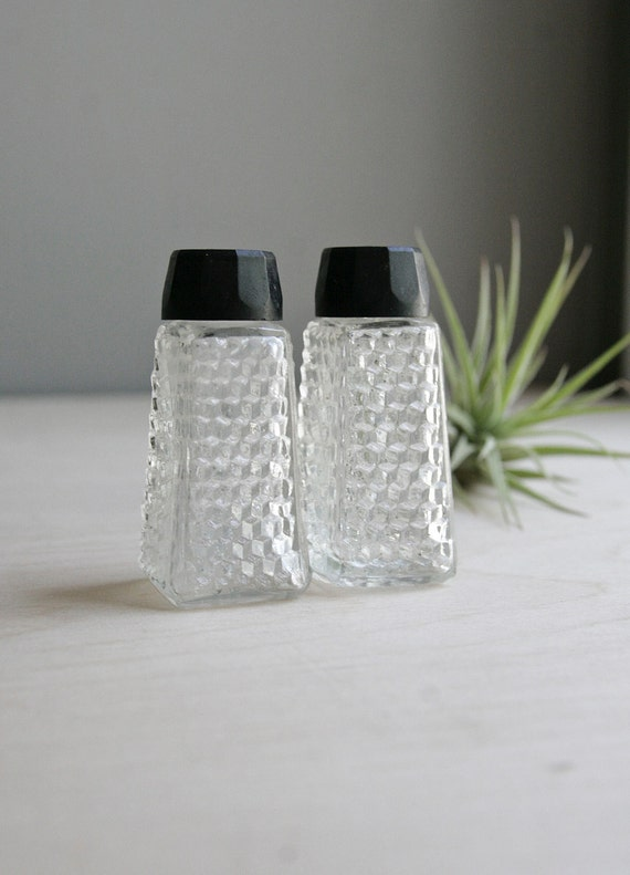 tiny glass salt & pepper set