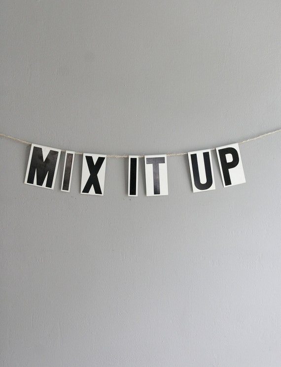 mix it up / vintage modern bunting