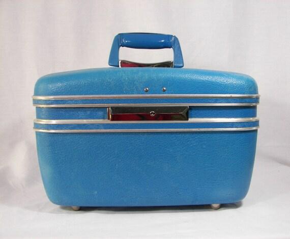 Vintage Train Case Bright Blue