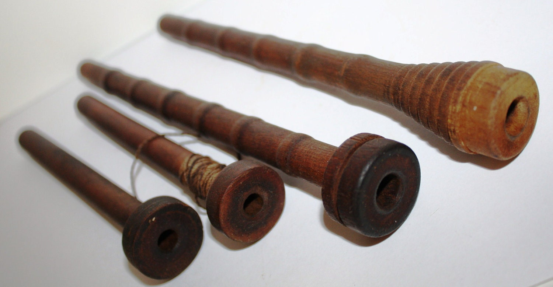 4 Antique Wood TEXTILE LOOM Thread SPOOLS Bobbins Spindle