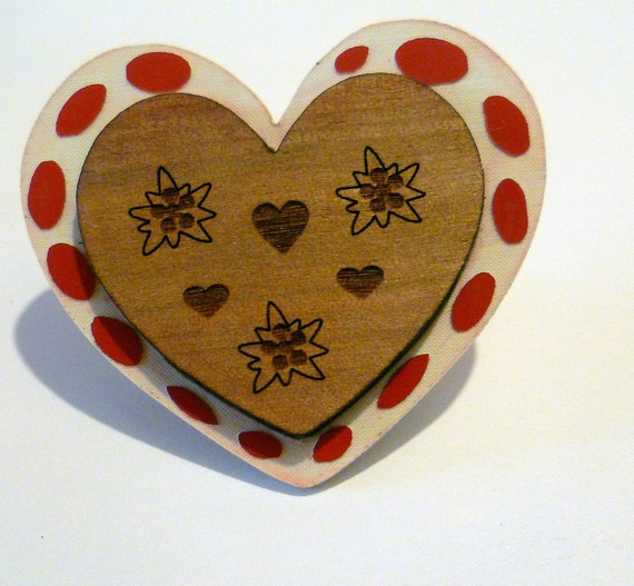 Wooden Gingerbread Heart Brooch - red and white