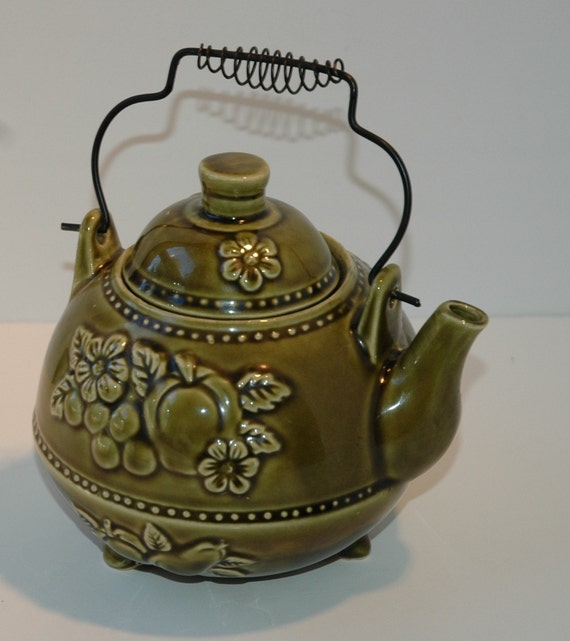 Vintage Green Floral Fruit Embossed Tea Pot Kettle Retro Japan