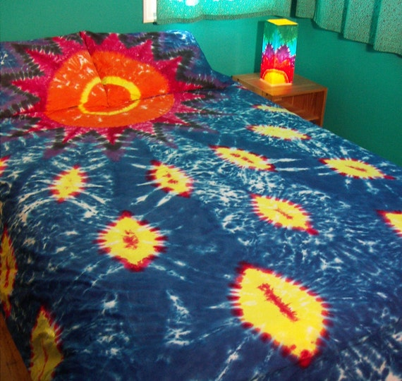 Queen / Full Size Duvet Cover and Pillowcases, Sunset and Fire Flies Tie Dye (Ready to Ship)