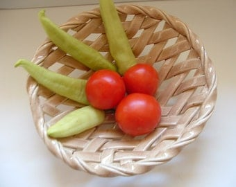Popular items for fruit bowls on Etsy